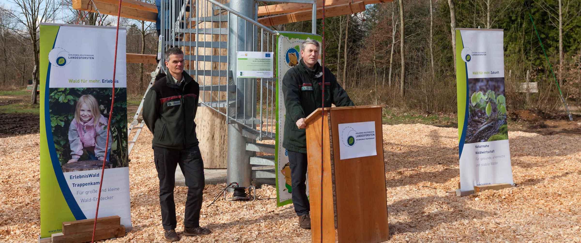 Im Erlebniswald Trappenkamp wurde der Teamtower als neues Wahrzeichen eingeweiht