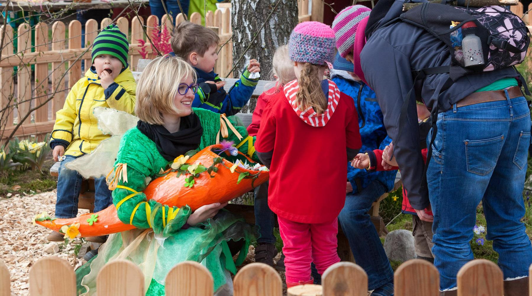 Die Frischlinge hielten sich bedeckt. Dafür durften die Besucher des Frischlingsfestes den Erlebniswald Trappenkamp von den Plattformen des gerade fertiggestellten Teamtowers neu entdecken
