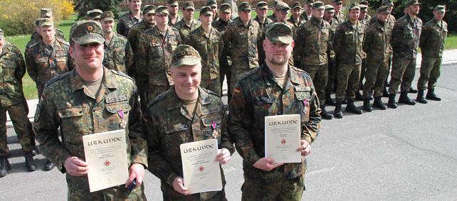 Putlos – Soldaten mit Feuerwehrehrenkreuz ausgezeichnet