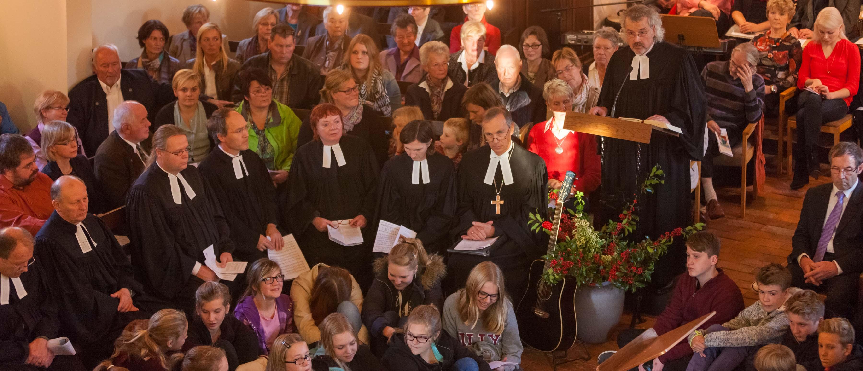 Bokhorst feierte Abschied. Gut 250 Leute waren gekommen, um Sonntag nach 25 Jahren ihren Pastor Erich Faehling zu verabschieden.