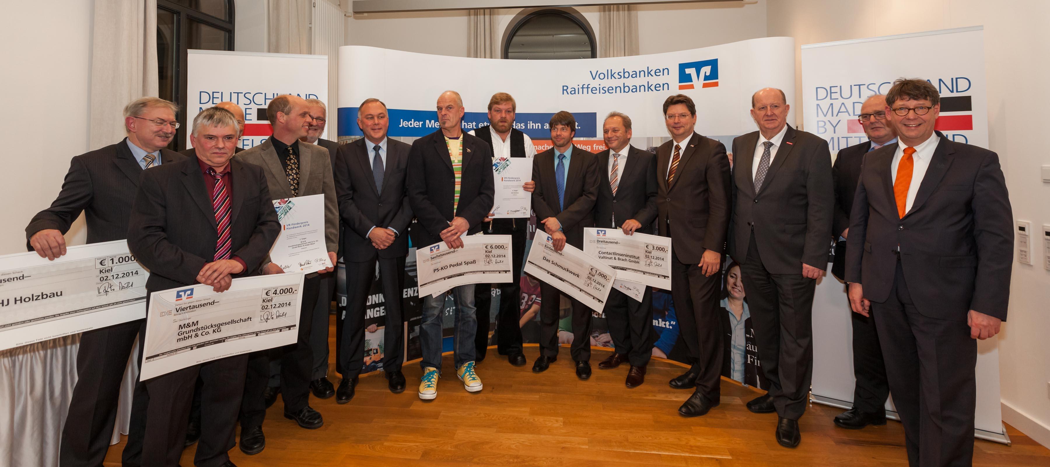 Handwerk mit tollen Ideen im Kopf – die Großharrieer Traditionszimmerei JHJ Holzbau gehörte zu den Gewinnern des VR-Bank-Förderpreises 2014 für das Handwerk