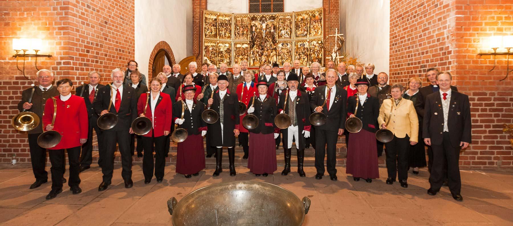Bläser, Jäger und Gäste feierten in der Bad Segeberger St.-Marienkirche das 10-jährige Jubiläum der schleswig-holsteinischen Landeshubertusmesse