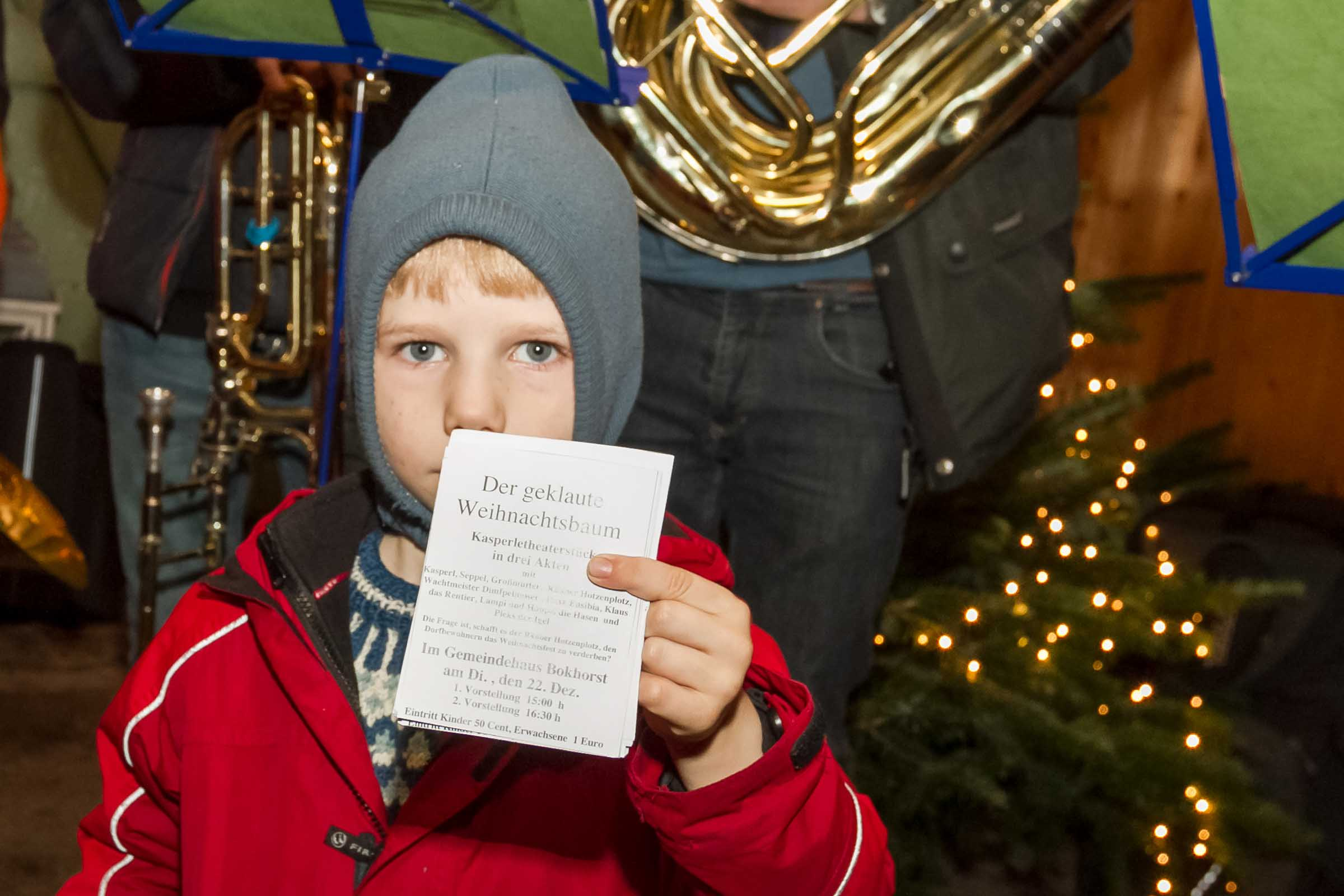Weihnachtsklänge über den Dörfern – wie in jedem Jahr im Dezember bereits freudig erwartet, zogen die Musiker aus dem Bokhorster Posaunenchor durch die Dörfer