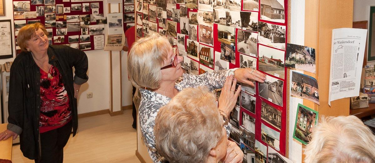 Wankendorfer wollen mit dem alten Bahnhof ein Stück Dorfgeschichte verkaufen.