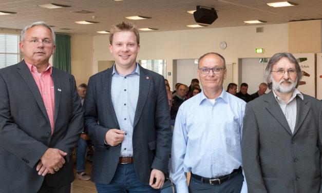 Das Bornhöveder Wahlkarussell hat sich gedreht. Reinhard Wundram löste Dietrich Schwarz als Bürgermeister ab.