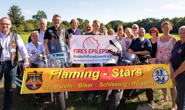 """Die Gönnebeker Feuerwehrbiker """"Flaming Stars"""" machen sich für ein neues Projekt stark. """"FIRES Epilepsie"""" steht für ein besonderes Hilfsprogramm für schwerkranke Kinder."""
